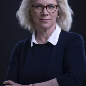 Portrait of Laura Tingle