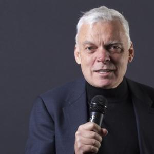 Portrait of Graeme Simsion